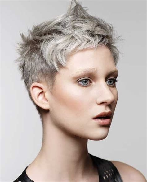 hairstyles with silver color 1000 bilder zu haircuts auf pinterest pixie cut kurzer