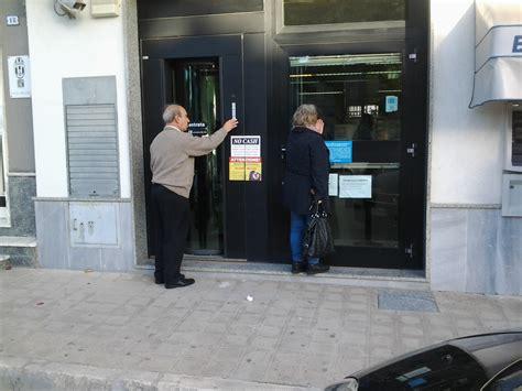 orari banche pomeriggio cosa succede alle banche quando non viene rispettato l
