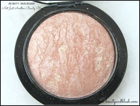Mac Mineralize Skinfinish Soft Gentle mac mineralize skinfinish in soft and gentle review and