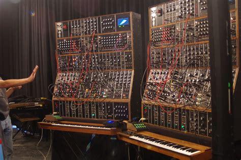 keith emerson modular synthesizert02 synthtopia