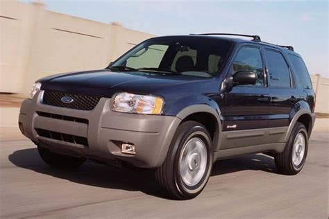 ford jeep 2005 2001 2007 ford escape vs 2001 2005 toyota rav4 which is
