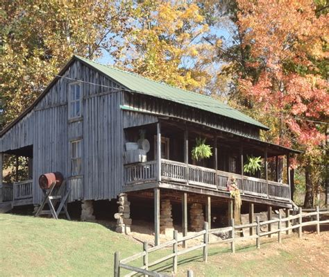 dolly parton s childhood cabin home cabins