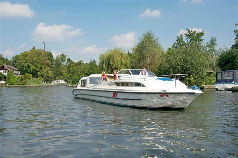 boats norfolk broads fair empress boating holidays norfolk broads direct