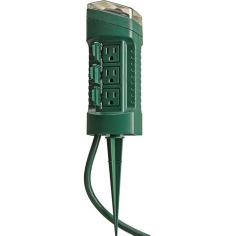 woods outdoor 6 outlet yard stake with photocell light