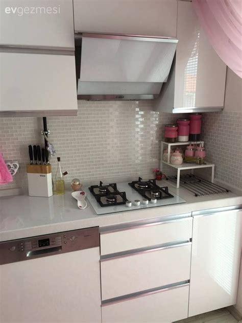 pin beyaz modern mutfak tezgah tasarimi on pinterest b 252 şra hanımın modern stilde tatlı ve cıvıl cıvıl evi