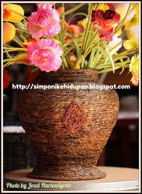 Keranjang Variasi kerajinan tangan vas bunga coklat kreasi kertas koran