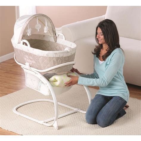 bassinet baby r us 1000 ideas about babies r us on newborn