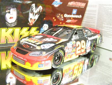 Special Diecast Nascar Chevy Rock N Roll Program Car 2004 Monte Carlo kevin harvick 2004 chevy rock n roll 1 24