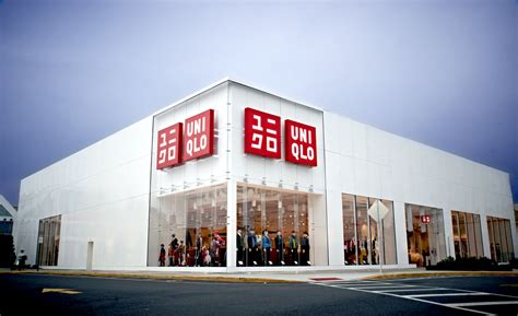 Garden State Plaza Vape Shop Uniqlo International Fast Retailing Co Ltd