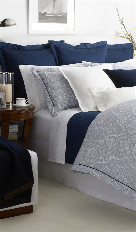 Navy Blue And Gray Bedding by 17 Best Ideas About Blue Gray Bedroom On Blue