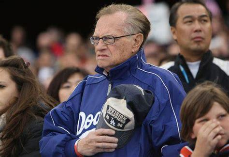 Cnns Unique Salute To Larry King by Larry King Dice Addio Alla Tv Stasera L Ultima Puntata