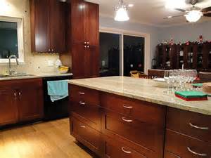 Where To Place Knobs On Kitchen Cabinets by Placement Of Cabinet Hardware