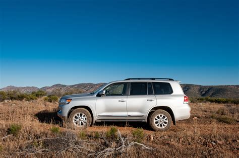 land cruiser 2016 2016 toyota land cruiser first drive review motor trend