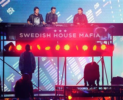 Swedish House Mafia Ft Tinie Tempah Miami 2 Ibiza Swedish House Mafia Miami 2 Ibiza Ft Tinie Tempah