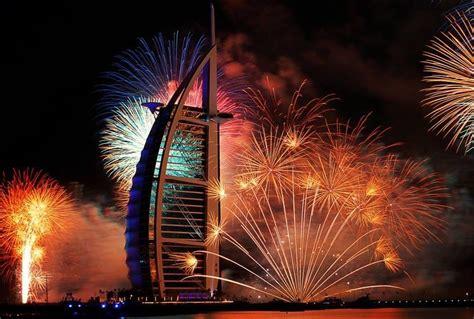 new year 2014 celebration capodanno mezzo milione di fuochi d artificio a dubai