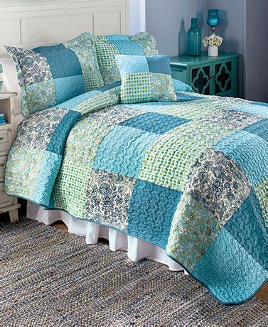 Quilt Spreads Spread The Refreshing Spirit Of Around Your
