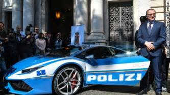 Lamborghini Italy Meet Italy S 200 Mph Crimefighter A Lamborghini Cnn