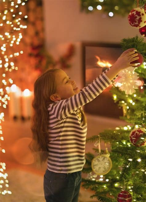 putting your holiday decorations up early could make you happier putting your decorations up earlier could make you happier