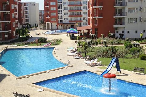 cheap 2 bedroom apartment bulgarian seacoast quality apartment to rent in sveti vlas bulgaria with pool 22352