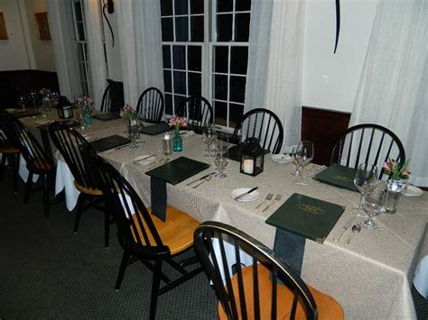 harraseeket inn maine dining room travelin maine rs harraseeket inn in freeport central