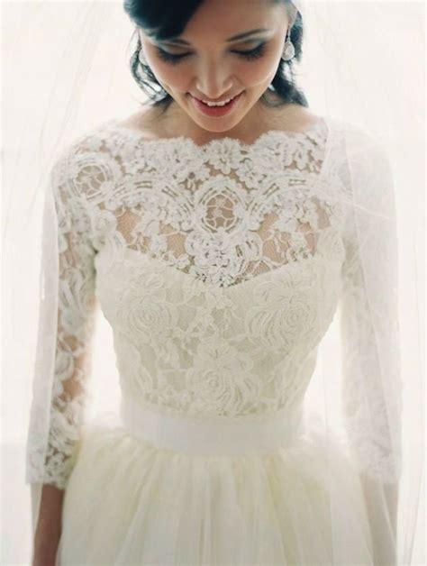 14 Most Beautiful Designer Wedding Gowns For Winter 2009 2010 by 48 Sleeve Wedding Dresses For Winter Brides