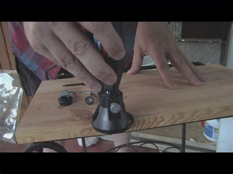 Ona Outer how to use a dremel tool using router attachment to edges on wood tools