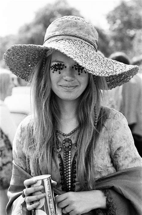 hairstyles for hippies of the 1960s 25 best ideas about 1960s fashion hippie on pinterest