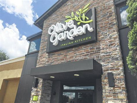 the olive garden orlando a new for olive garden low prices diners fuel olive garden comeback the lima news
