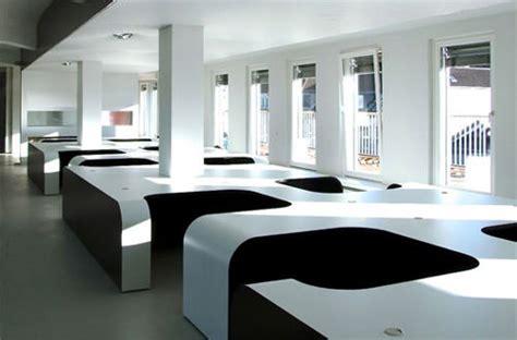 office decorators creative modern office designs around the world hongkiat