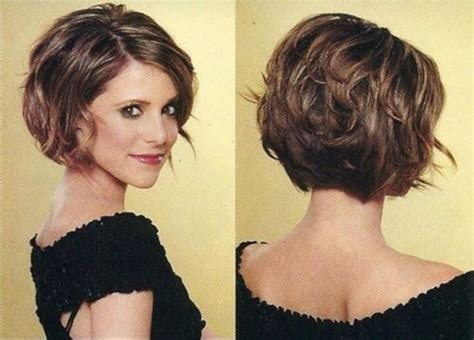 chin length curly layered haircut 20 feminine short hairstyles for wavy hair easy everyday