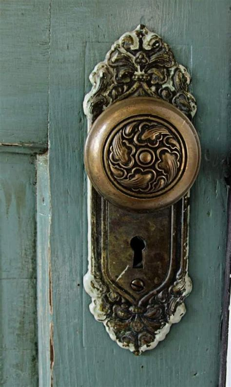 Door Knob Vintage by 25 Best Ideas About Door Knockers On Antique