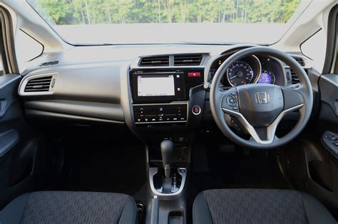 2015 Honda Fit Interior by 2015 Honda Fit Drive Photo Gallery Motor Trend
