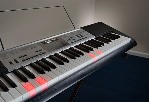 casio keyboard light up keys casio lighted learn to play keyboard sharper image