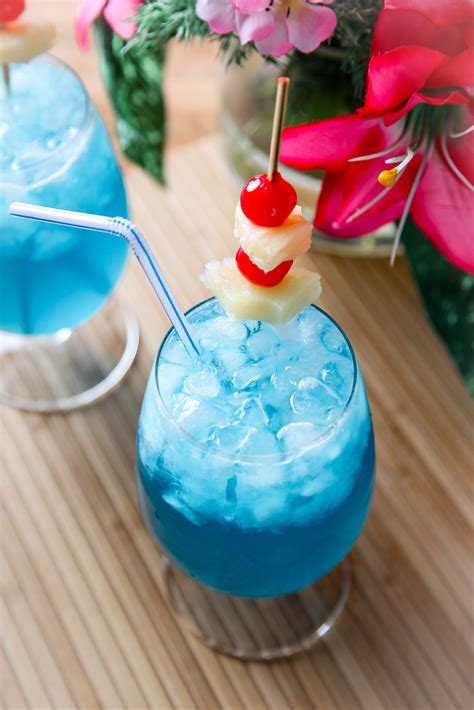 blue hawaiian cocktail blue hawaiian recipe baking beauty