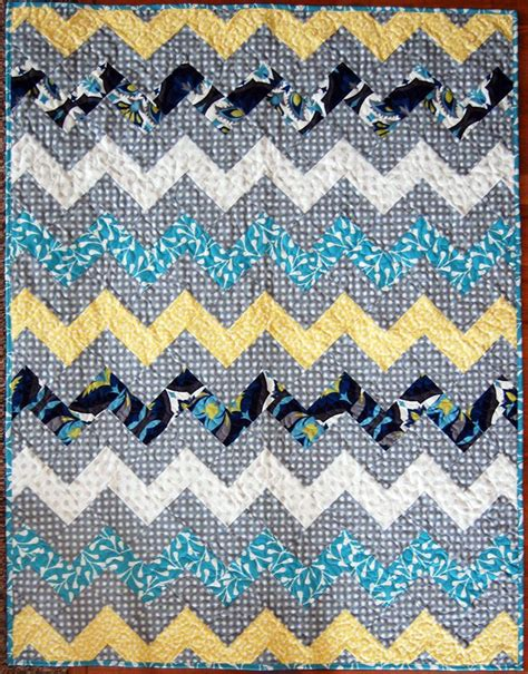 zig zag quilt pattern using triangles zig zag chevron quilt using only rectangles no sewing
