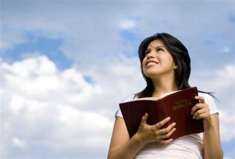 m ujer cristiana ministerio mujeres en victoria mujer virtuosa 191 qui 233 n la hallar 225 reflexiones cristianas com
