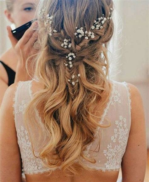 Wedding Hairstyles For Bridesmaids With Hair by 24 Beautiful Bridesmaid Hairstyles For Any Wedding The