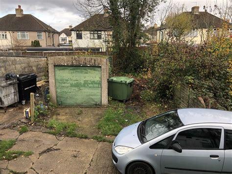 property  rent coulsdon road  coulsdon sterling