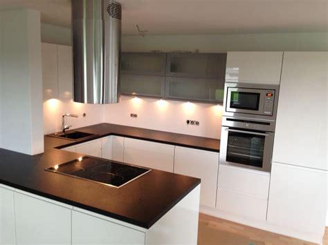 kleine küche einrichten bilder kleine luxus k 252 che kleine k 252 che u form dachgeschoss