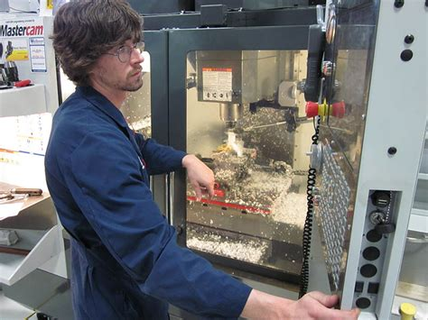Cnc Machinist by Vincennes Htec Receives 293 592 00 From The Gene Haas Foundation Gene Haas Foundation