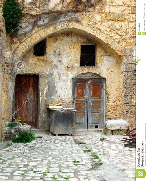 Mediterranean House Plans With Courtyards vieille maison de cour photo stock image 4809240