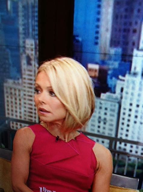 how do curl hair rippa kelly ripa s new short hair my style pinterest