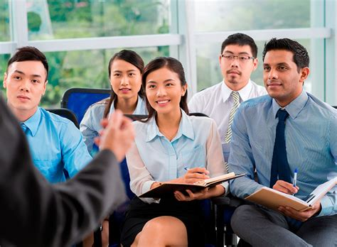 Mba Programs With Fashion Concetrations by Bachelor S In Management Finance 183 Bay State College