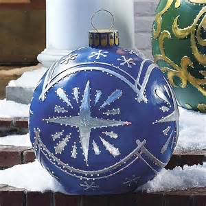 outdoor christmas decoration photos