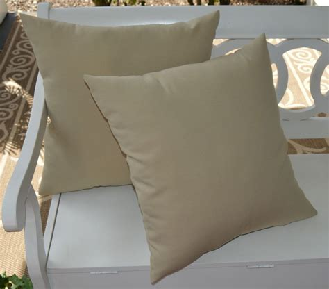 Decorative Pillow Covers With Zippers by 2 Pk Decorative Throw Zipper Pillow Covers Khaki