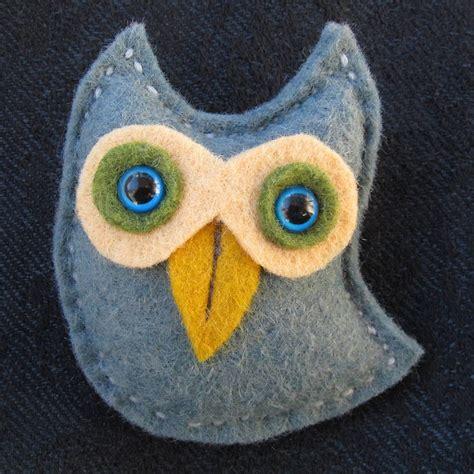 Handmade Owls - handmade felt owl brooch by thebigforest