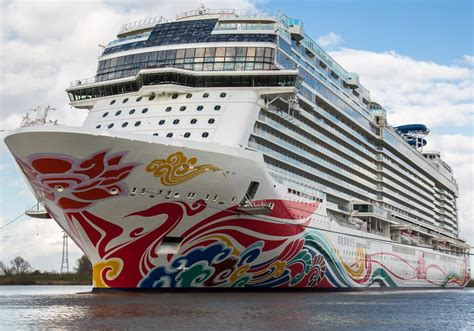 norwegian cruise xmas norwegian joy itinerary schedule current position