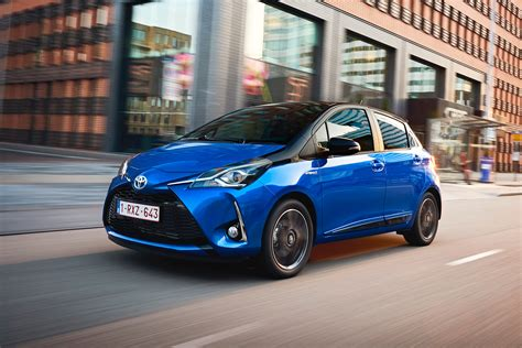 toyota yaris hybrid bi tone  review pictures auto