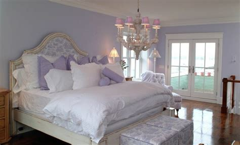 lavender walls bedroom the lavender color a tribute to the purity and the