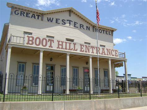 hton inn dodge city kansas boot hill museum